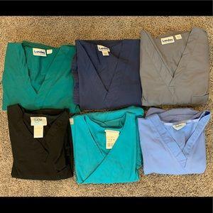 6 scrub tops 💙 LIKE NEW!!